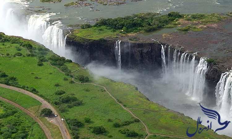 آبشار ویکتوریا، زامبیا مرز زیمباوه
